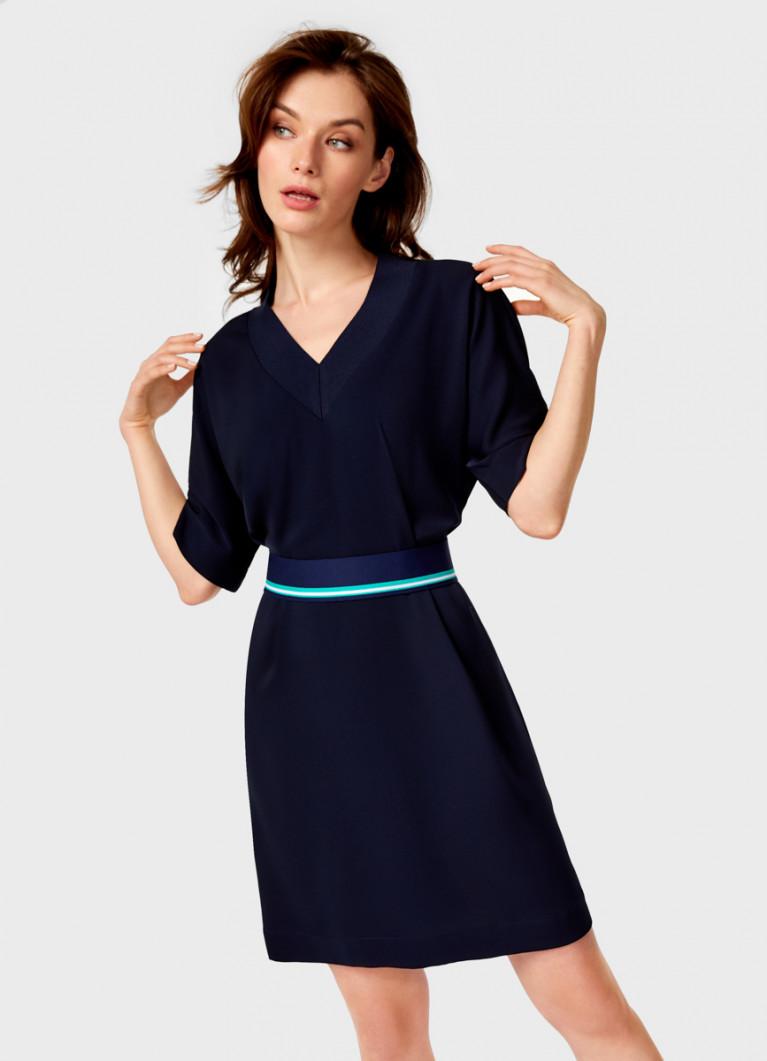Платье с контрастным поясом