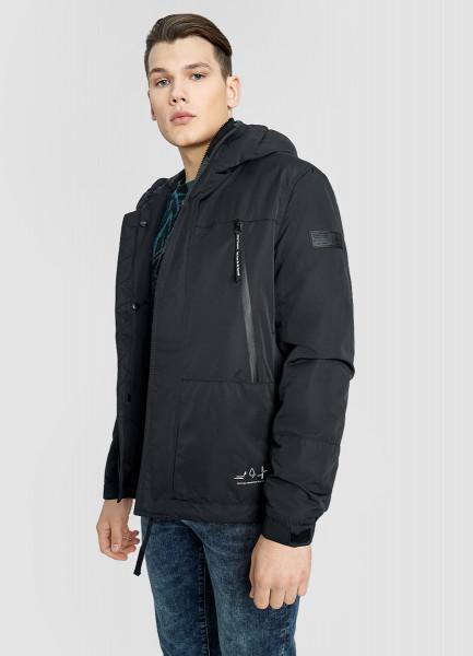 Куртка с капюшоном с технологичными деталями