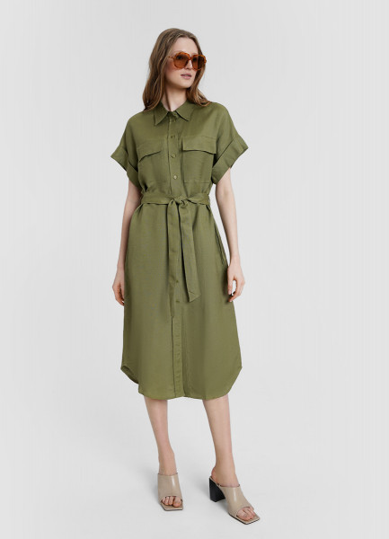 Льняное платье-рубашка с поясом и накладными карманами
