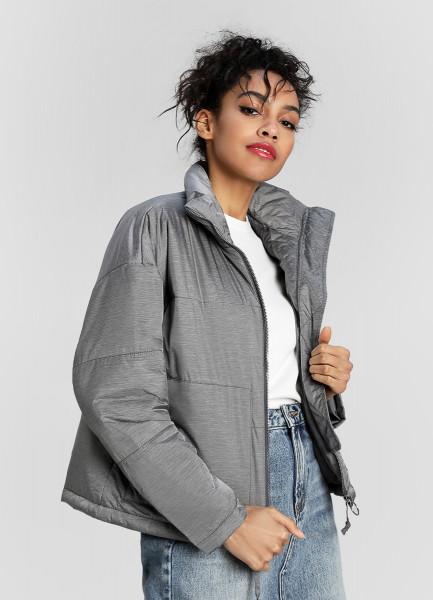 Короткая ультралёгкая куртка фото