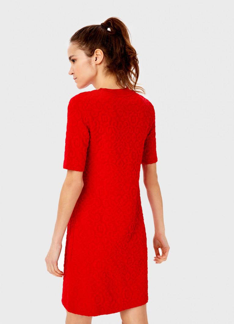 Платье из структурного полотна