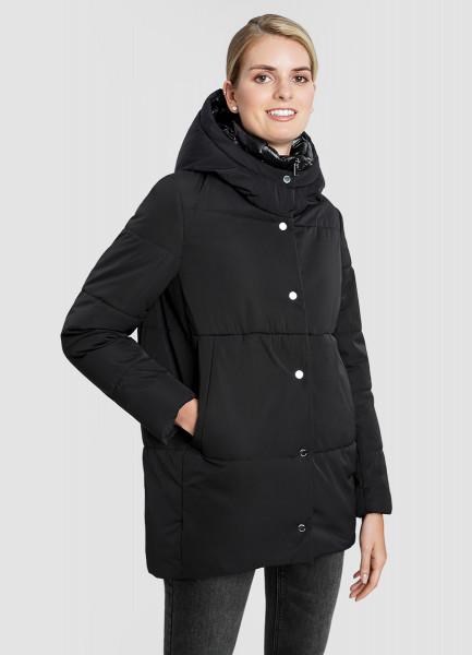 Утеплённая куртка с капюшоном и двойной застёжкой