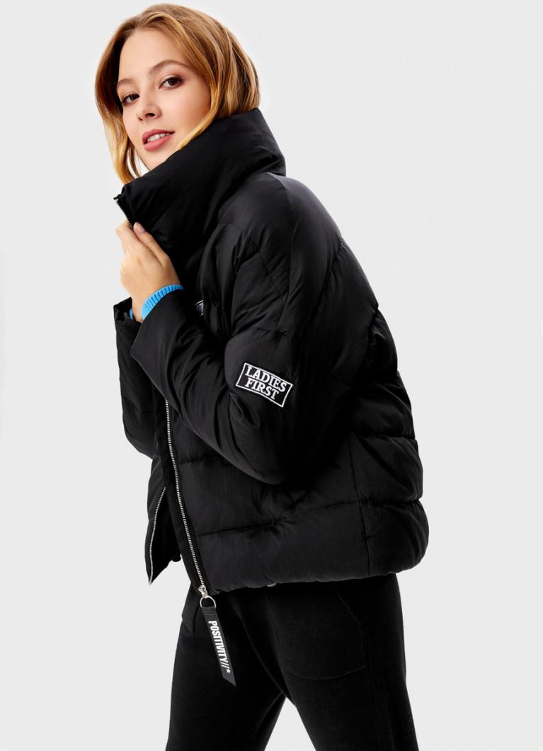 Куртка с нашивками