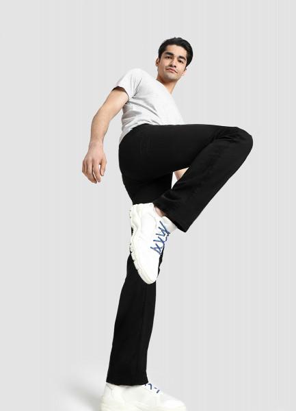 Прямые черные джинсы фото