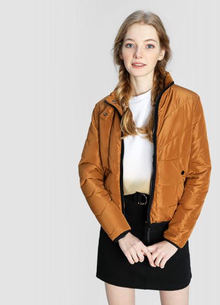 Короткая утеплённая куртка