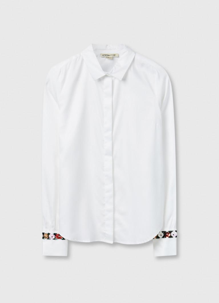 Блузка с декором на рукавах