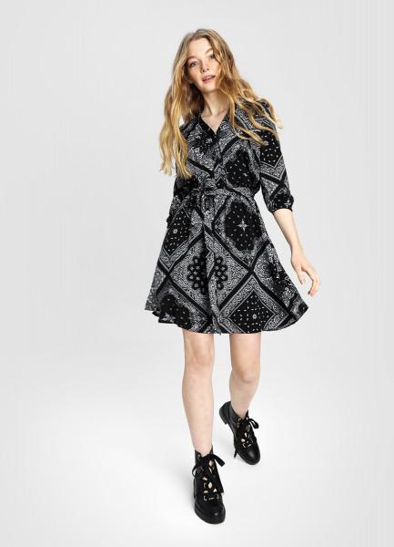 Платье с принтом «бандана»