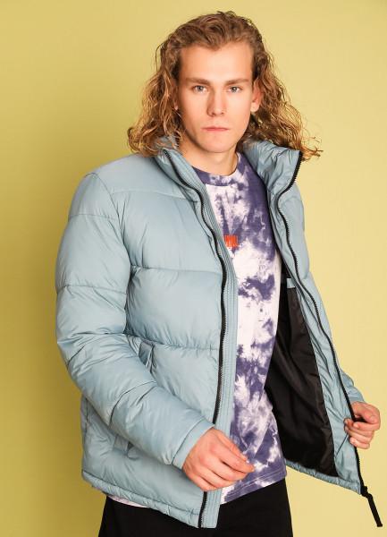 Куртка на объёмном утеплителе с воротником-стойкой