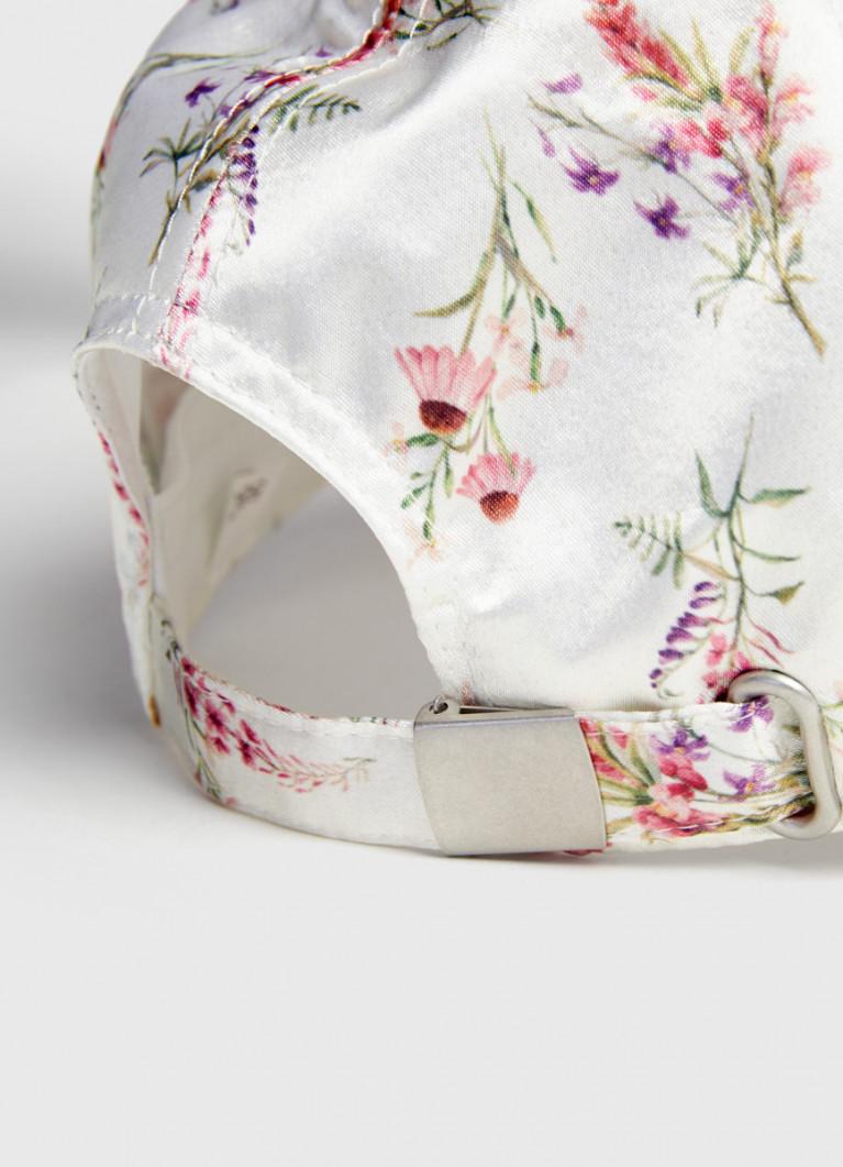 Кепка с цветочным принтом