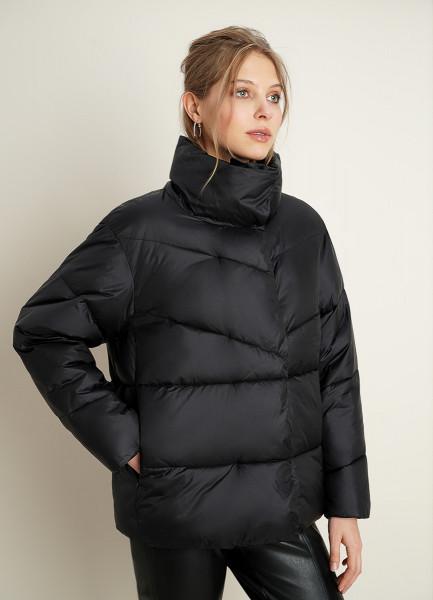 Куртка с асимметричной застёжкой