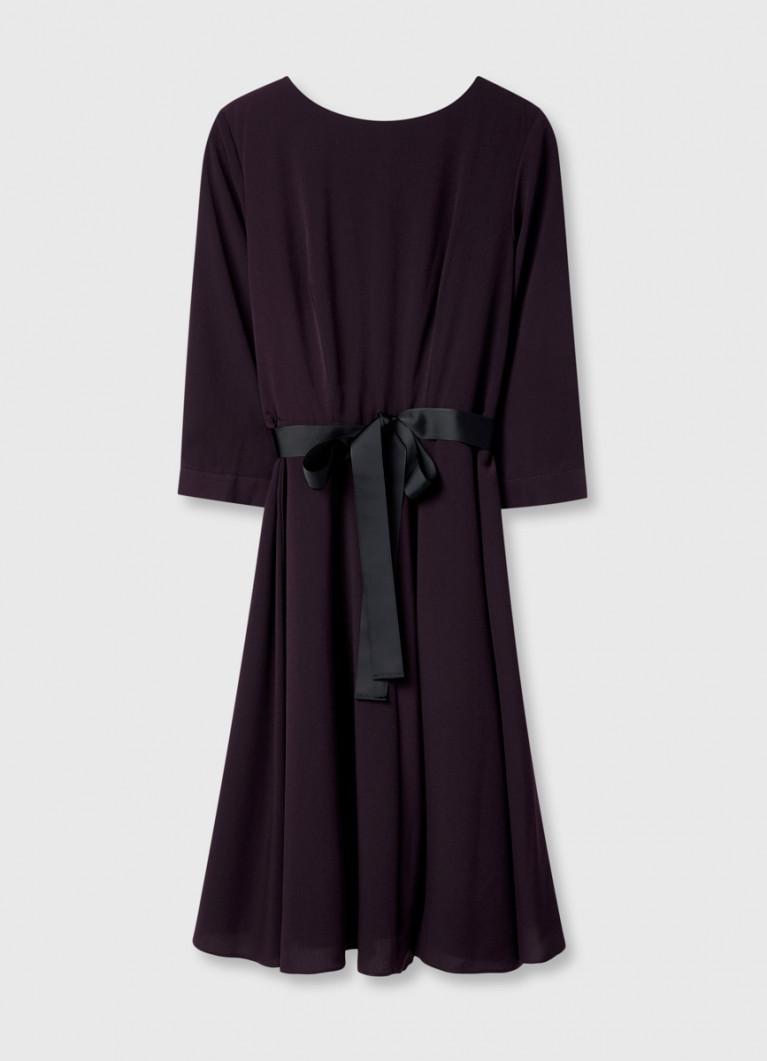 Платье из крепа