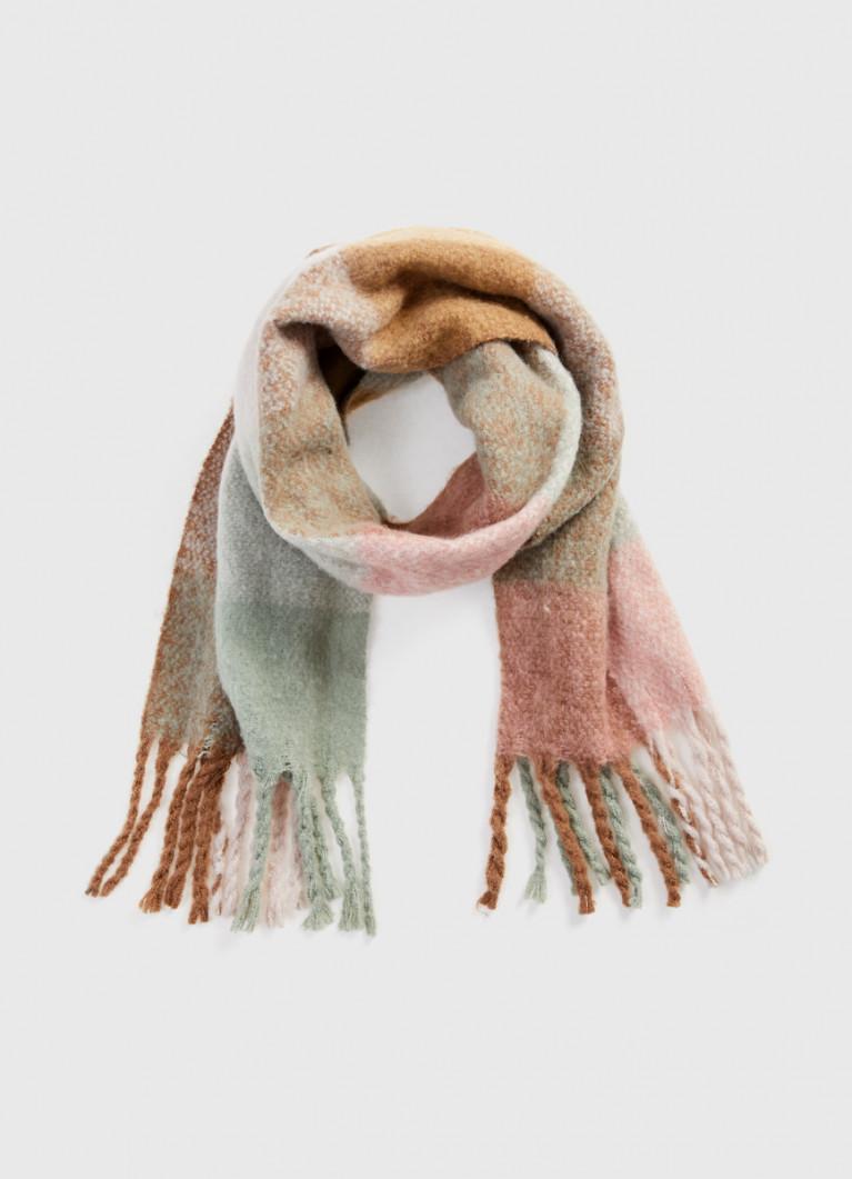 Объёмный шарф в клетку