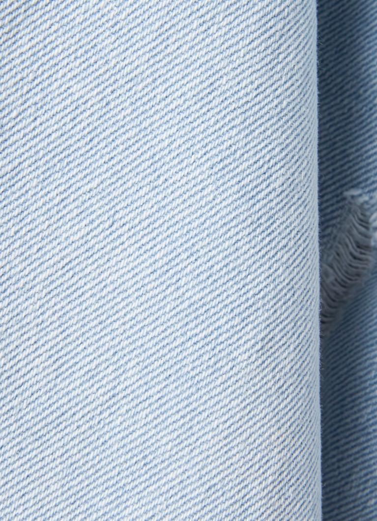 Прямые джинсы с высокой посадкой и разрывами