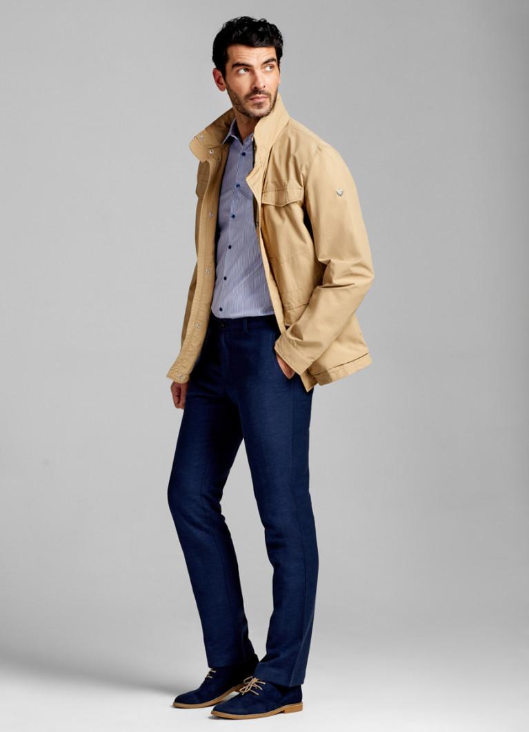 Куртка с капюшоном в воротнике