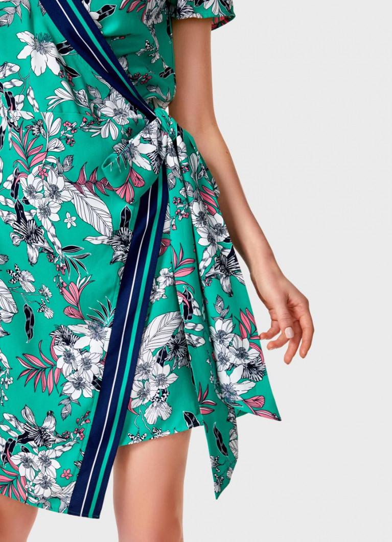 Платье на запах в цветочный принт
