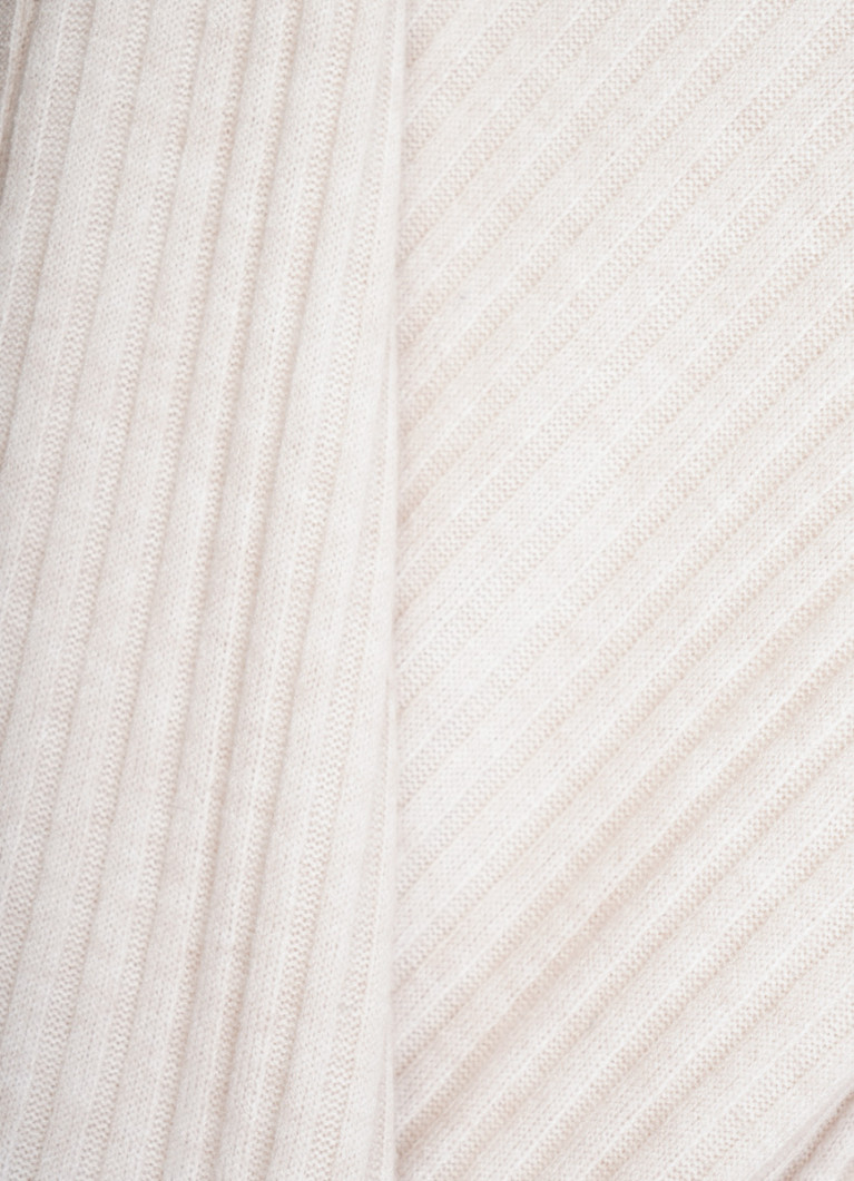 Джемпер из мягкого полотна