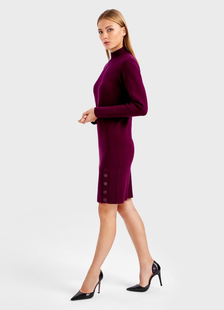 Платье плотной вязки
