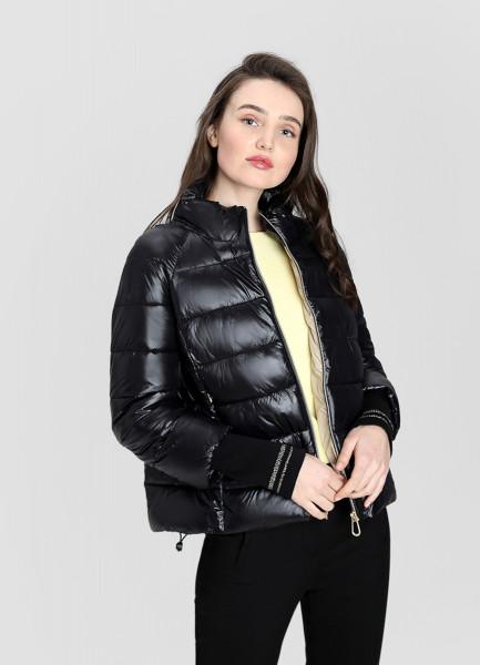 Ультралёгкая куртка с трикотажными манжетами фото