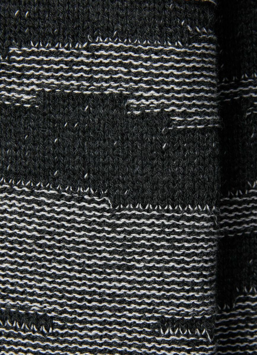 Джемпер из мягкой пряжи