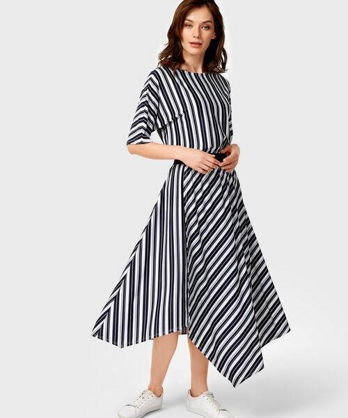 Трикотажное платье в полоску трикотажное платье с ажурным рисунком vilatte платья и сарафаны в полоску