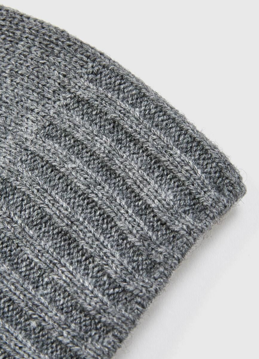 Базовая шапка с шерстью