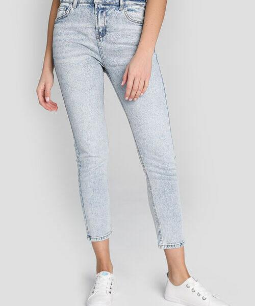 Узкие джинсы в голубой варке джинсы roger kent klingel цвет голубой
