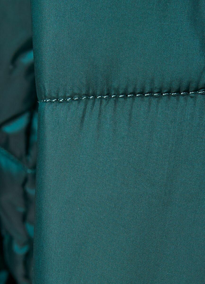 Короткий пуховик с воротником-стойкой и вязаными манжетами