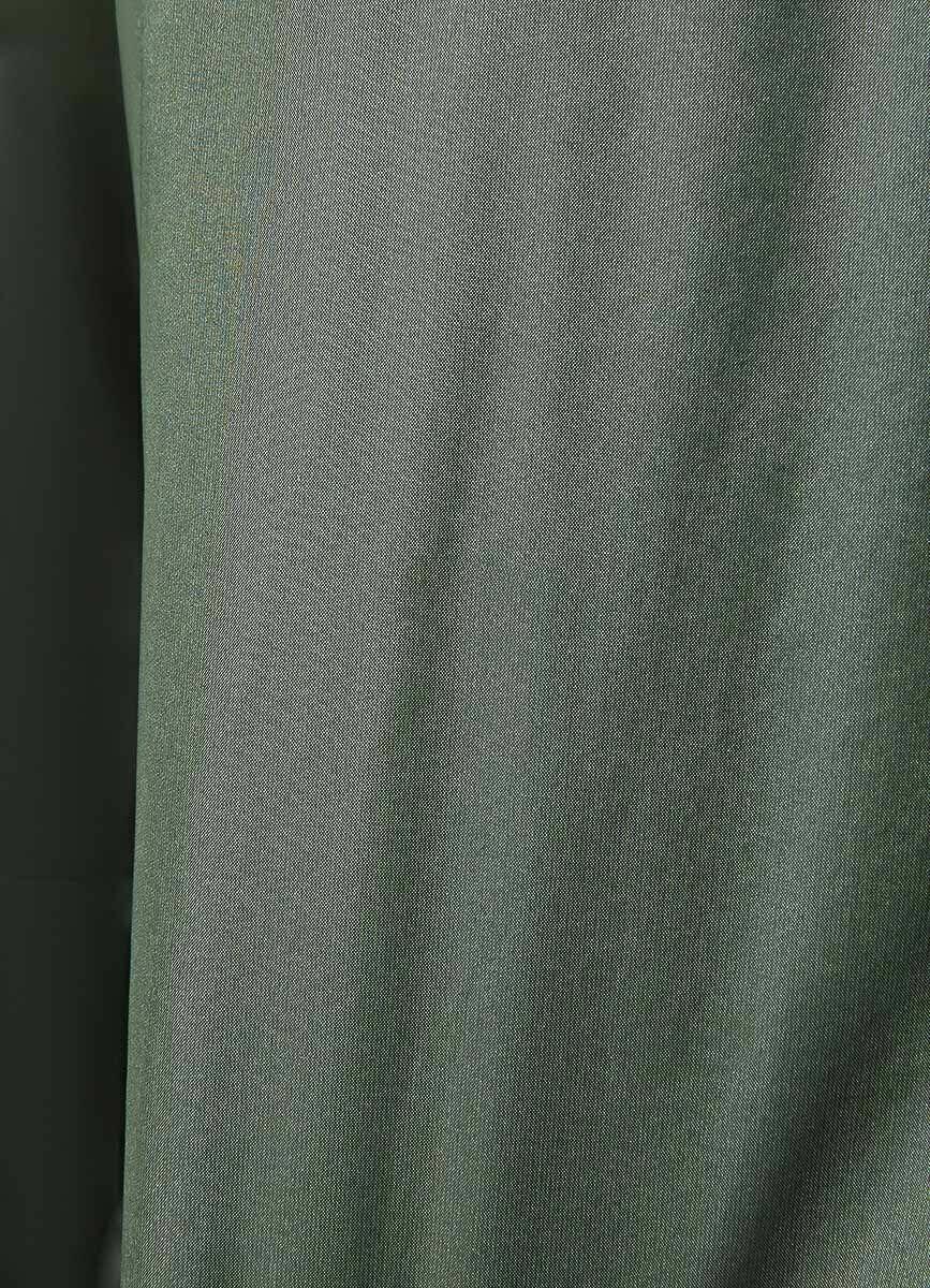 Короткий пуховик из блестящей ткани
