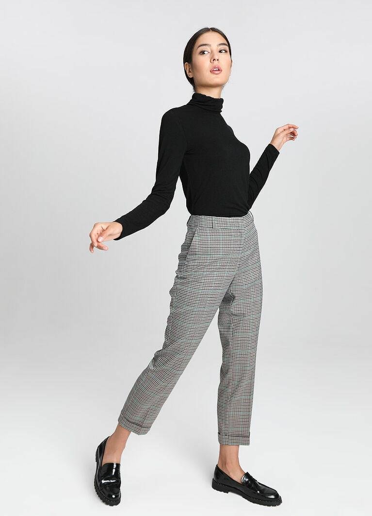 Прямые брюки в клетку с подворотами