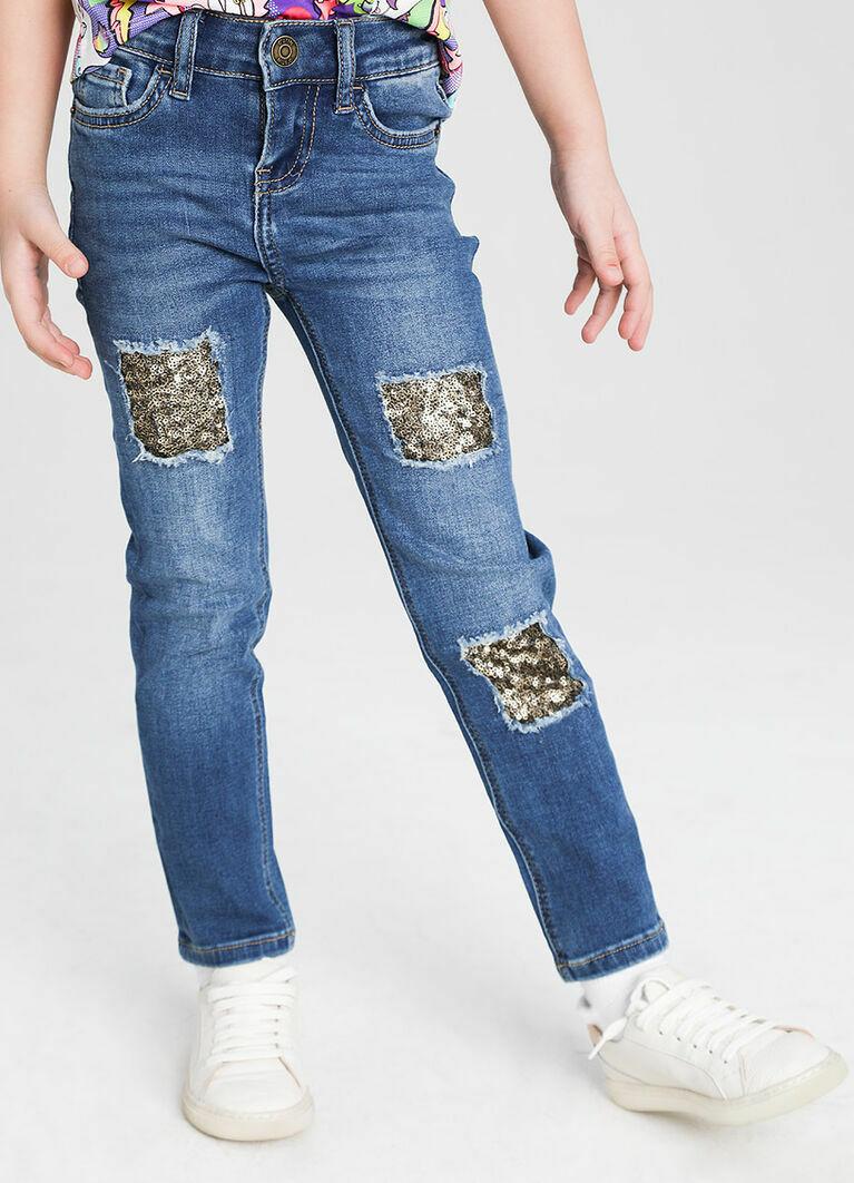 Узкие джинсы с патчами из пайеток