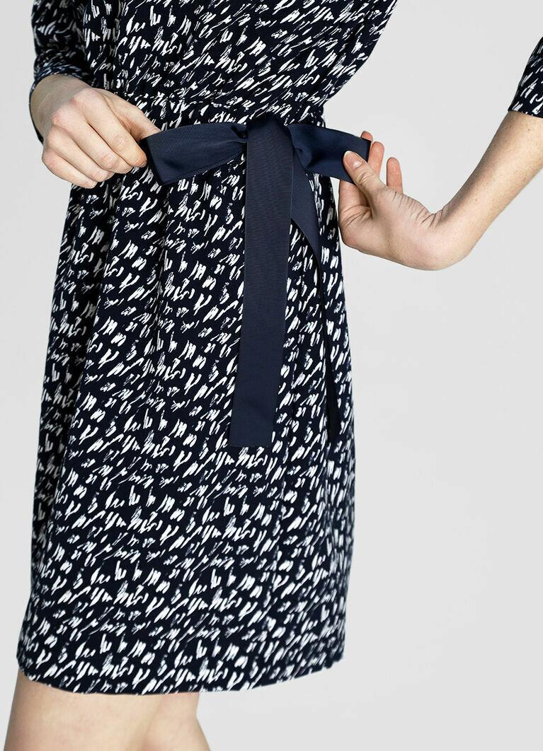 Принтованное платье с лентами
