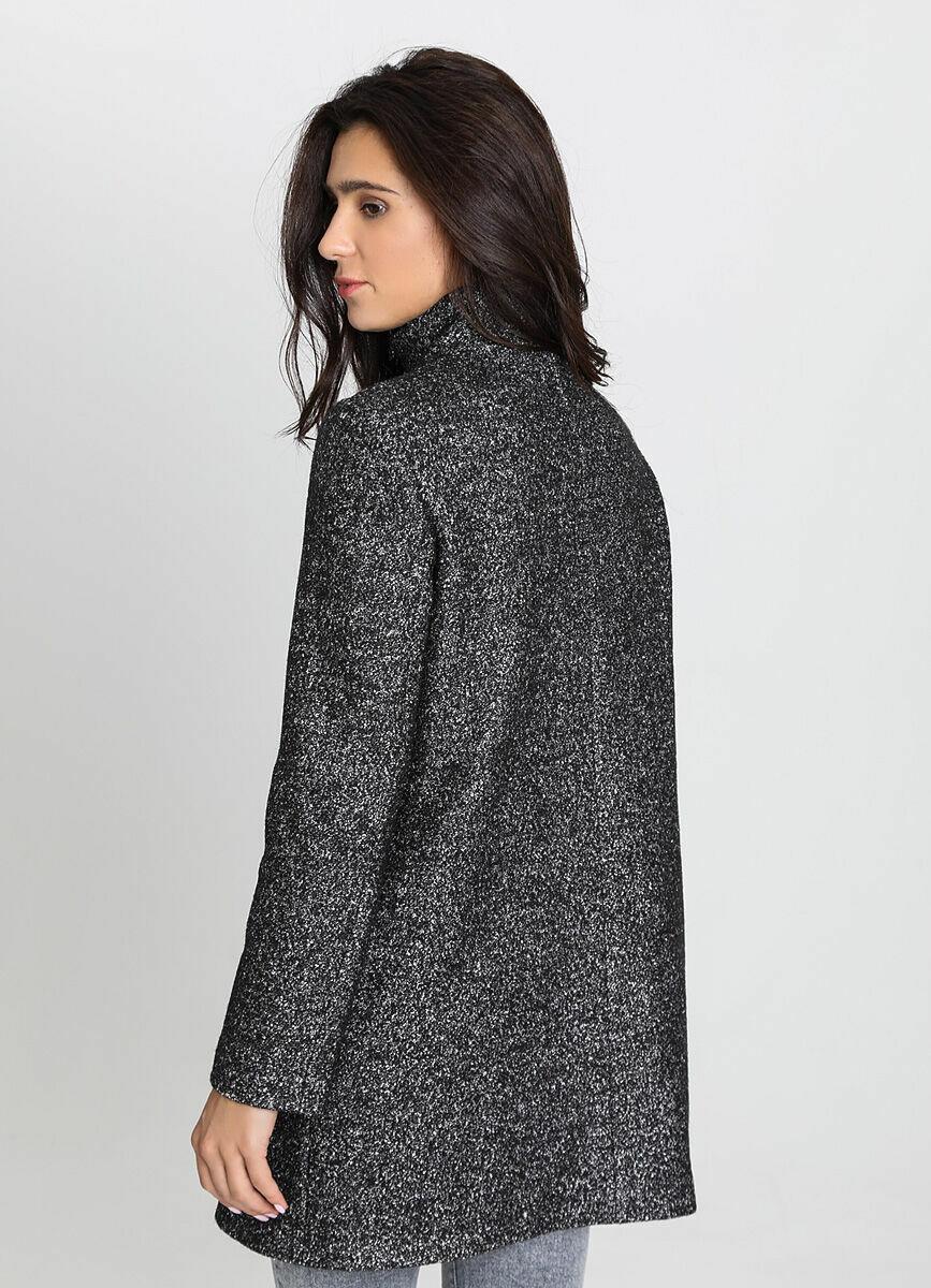 Пальто с воротником-стойкой и открытой молнией