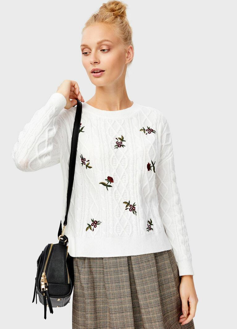 Джемпер с цветочной вышивкой