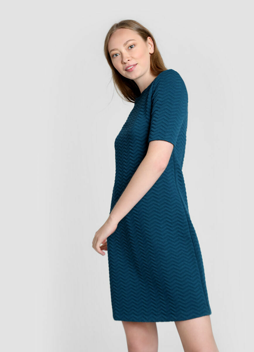 Структурное трикотажное платье A-силуэта