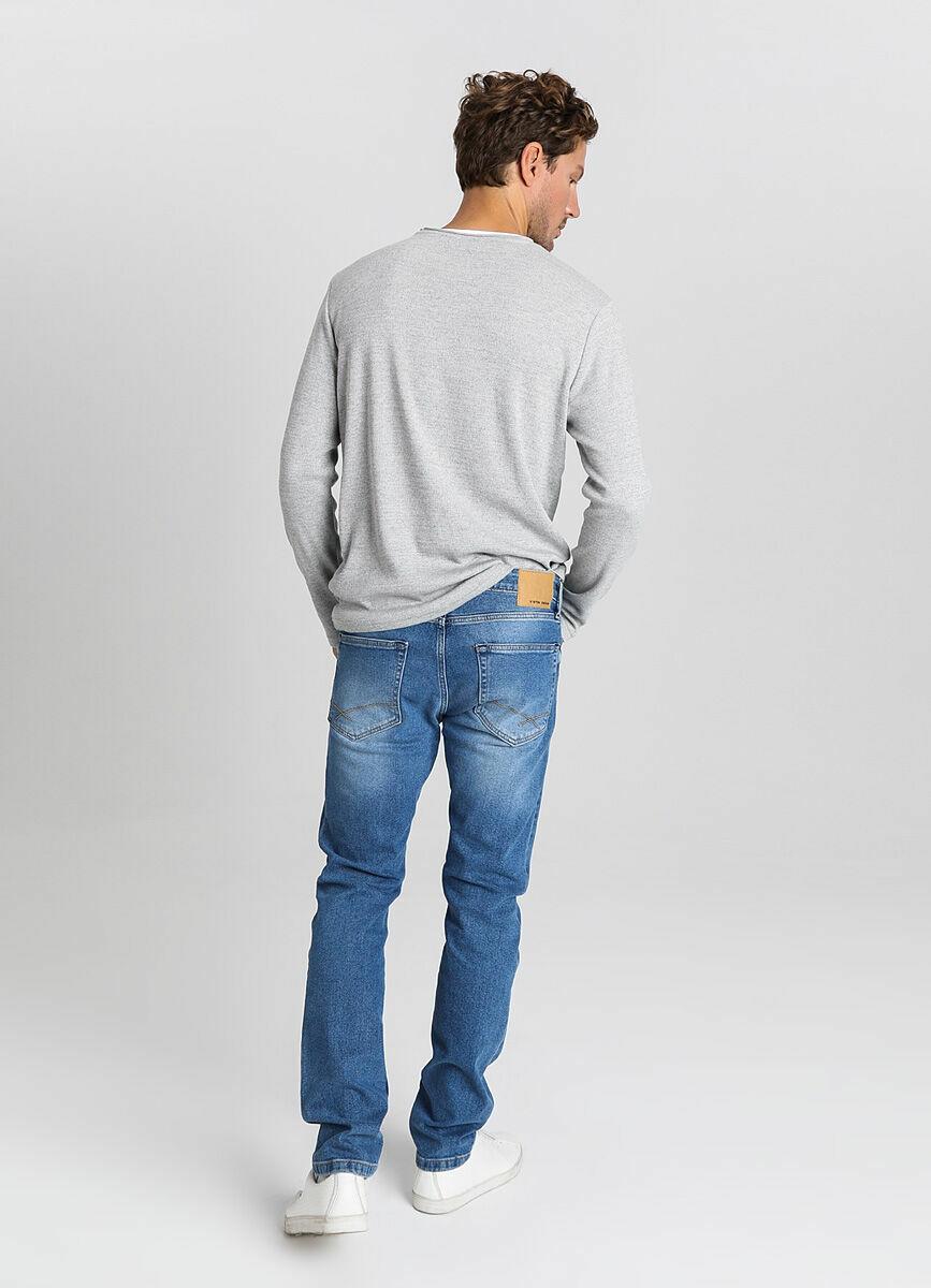 Зауженные джинсы из переработанного хлопка