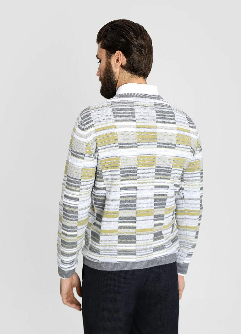 Джемпер с многоцветной структурной вязкой