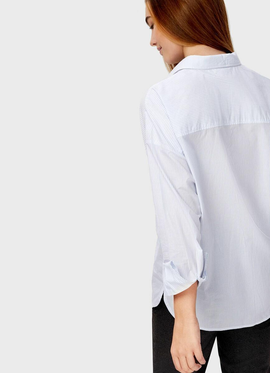 Рубашка в полоску с вышивками