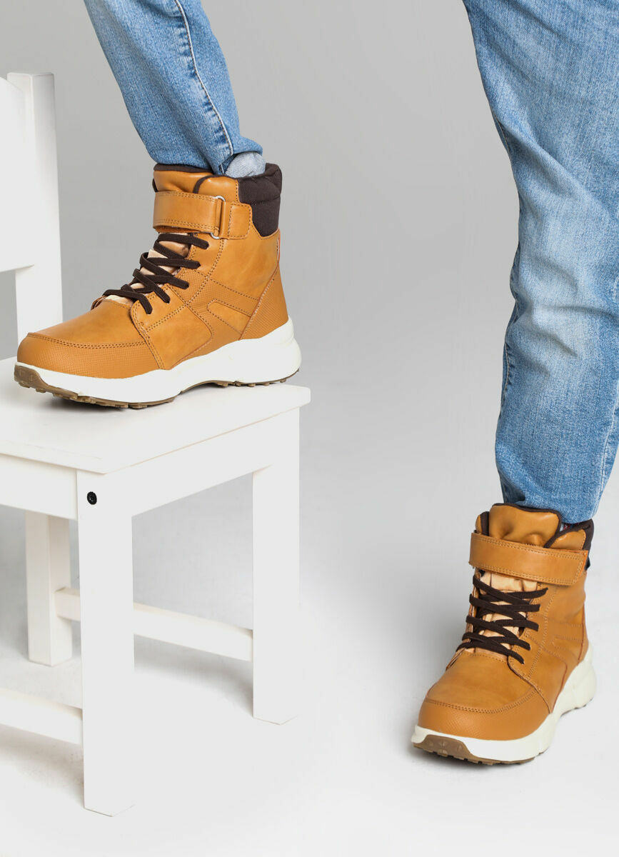 Утеплённые ботинки для мальчиков