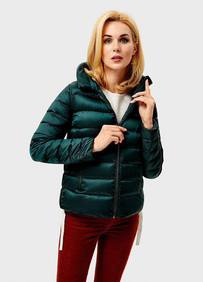 Ультралёгкая куртка с капюшоном на натуральном пухе