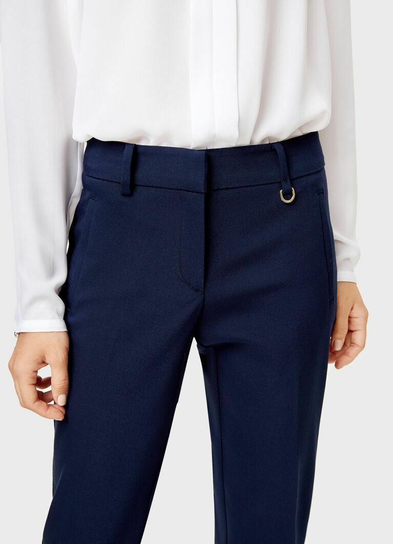 Узкие прямые брюки