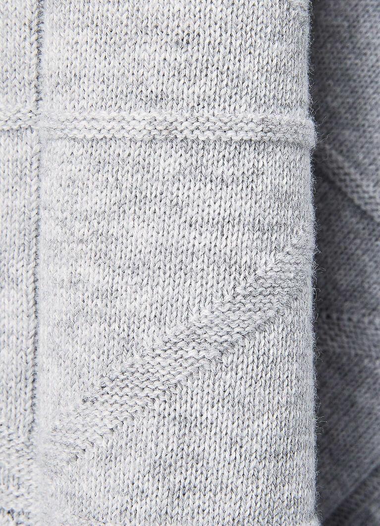 Джемпер со структурной вязкой