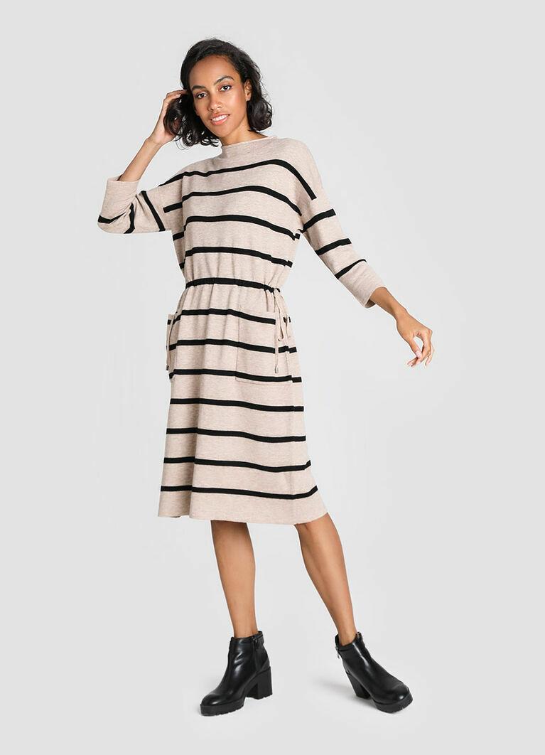 Вязаное платье на кулиске