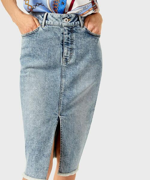 Фото - Прямая джинсовая юбка-карандаш фото